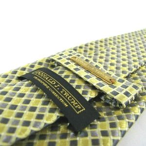 DONALD J. TRUMP Signature Collection Yellow Gray